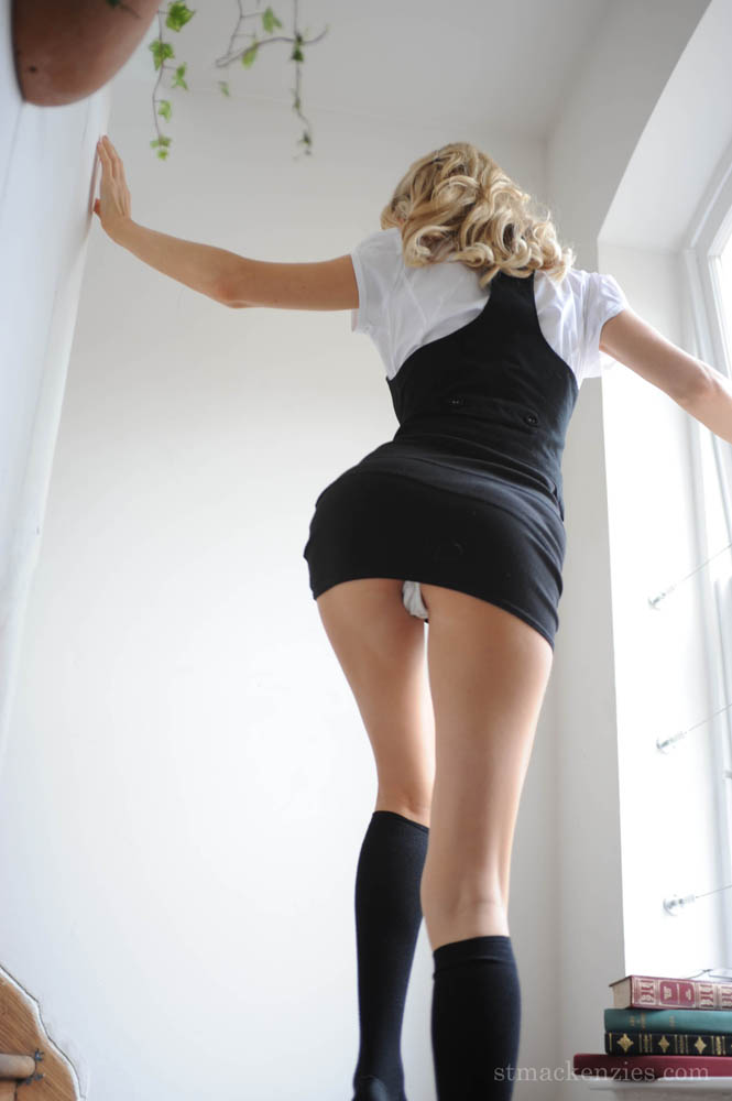 Lengthy legged honey Holly Newberry eben took off her lacey knickers